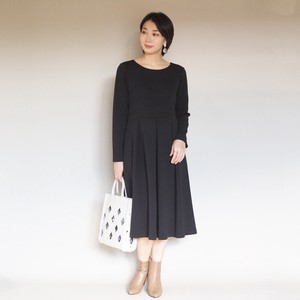 One-piece Dress Black Thick Fabric Processing Surface
