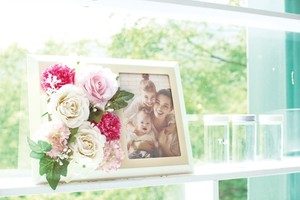 Catalyst Deodorize Flower Photo Frame