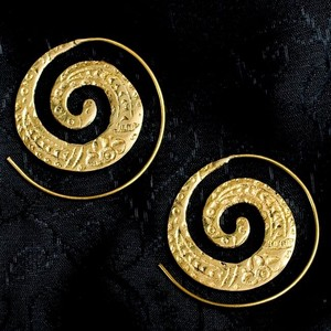 India Gold Pierced Earring