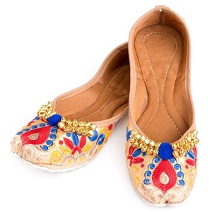 Embroidery Flat Shoes