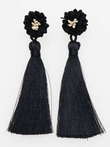 Design Tassel Pierced Earring