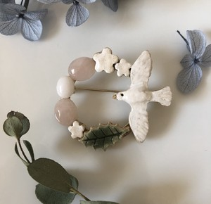 Small Birds Natural stone Brooch Rose Quartz