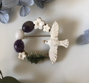 Small Birds Natural stone Brooch Amethyst