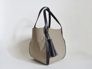 Leather Tassel Attached Closs Belt Bag