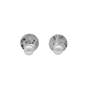 [ 2020NewItem ] Metal Plate Cotton Pearl Pierced Earring