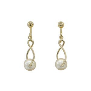 Design Frame Cotton Pearl Set Earring