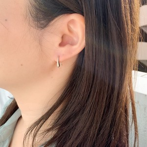 Catch Small Pierced Earring