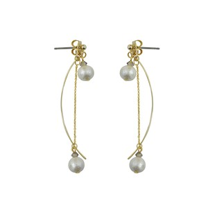 Cotton Pearl Swarovski Accent Design Long Pierced Earring