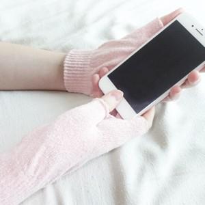 絹糸屋さんの『なんだか、ほっこり。』ふんわりシルク手袋 指あきタイプ|全4色