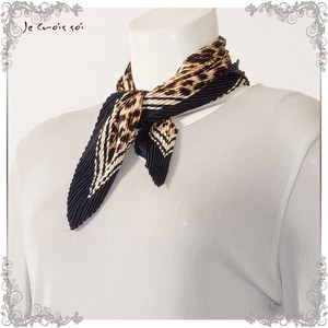"""2020 New Item"" 3 Colors Square Fabric Print Animal Print Pleats Stole"