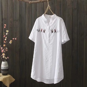 Animal Embroidery V-neck Long Type Short Sleeve Blouse 2 Colors