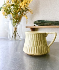 マグカップ「翆」翆の釉薬は天然の薪の灰を使った自然の色ですので、色の表情が一つずつ違います。