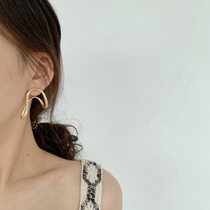 Deformation Pierced Earring Pure Gold Plating