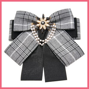 Bijou Chief Checkered Ribbon Brooch