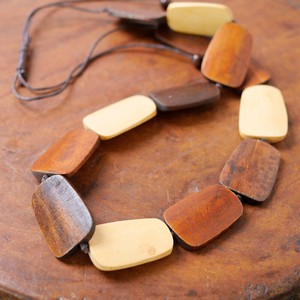 Wood Plate Long Necklace