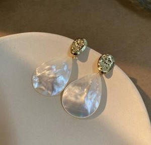 Natural Shell Pierced Earring