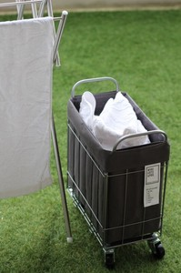 WIRE ARTS & PRO.laundry FOLDING SQUARE BASKET with CASTER 28L
