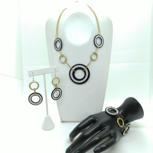 Circle Necklace Pierced Earring Bracelet 3-unit Set