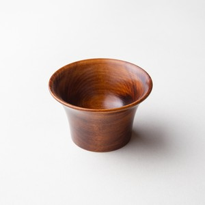Rubbing lacquer Sake Cup made of horse chestnut - Edge curve