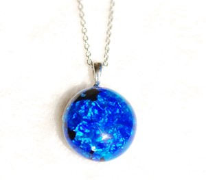 Original Color Firefly Glass Necklace Round 8mm
