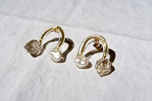 Pierced Earring Oil Quartz
