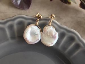 Petal Pearl Post Pierced Earring Earring