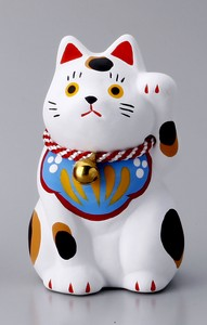 Objects and Ornaments Folk Craft Welcoming Cat