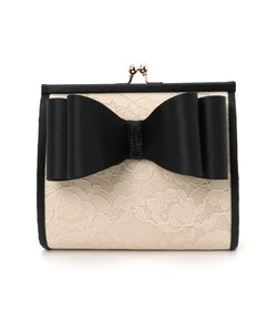 Ribbon Motif Attached Lace Compact Clutch Bag