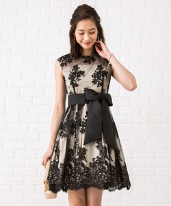 Floral Pattern Embroidery Belt Attached Lace Dress