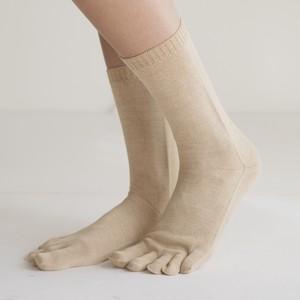 【新開発】無縫製Yasanシルク100% ずれない靴下5本指 レディースMノーマル丈 ナチュラル