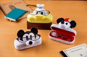 Eyeglass Stand Case Disney Mick Minnie Donald Chip 'n Dale Eyeglass Case