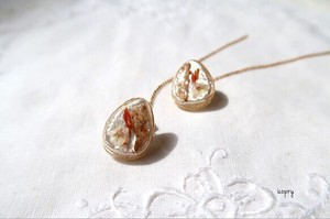Drop Pierced Earring Safflower Floret Gold Line