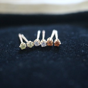 Natural stone Local Minimum 2mm White Topaz Pierced Earring