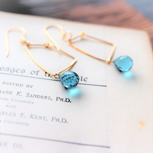 Natural stone Blue-Color Quartz Square Wire Charm Pierced Earring