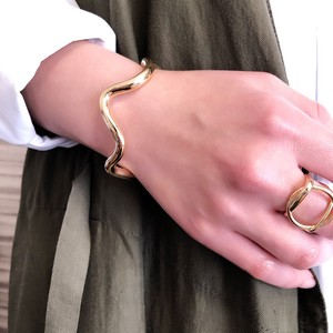 Wave Big Bangle