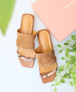 20 SC Square Wide Belt Tong Sandal