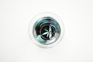 螺鈿ガラス  杯(クリスタル)  竹(貝入)黒 【日本製】【日本酒】【杯】
